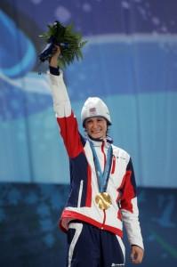 Zlatá olympijská medaile - Martina Sáblíková (foto:tyden.cz)