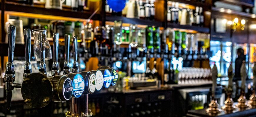 Pub Beer Bar Tap Draft Beer  - hulkiokantabak / Pixabay