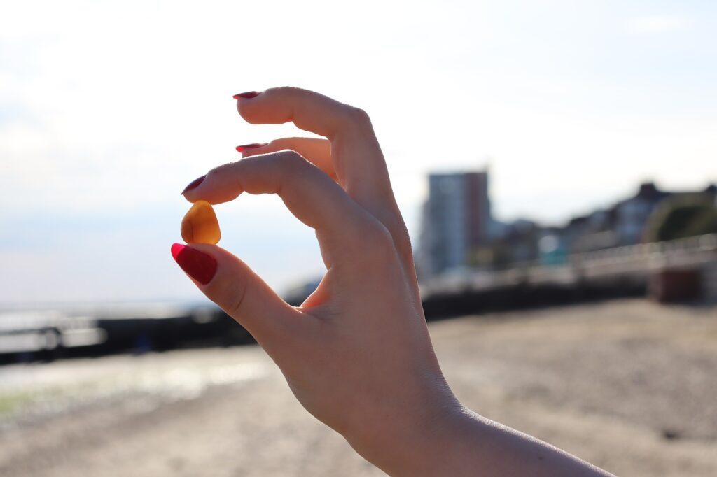 Stone Beach Hand Finger Nails Ok - DharmaWolf / Pixabay