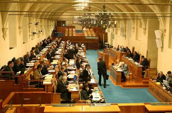 Senátní volby 2010 - kdo z kandidátů usedne do senátu?